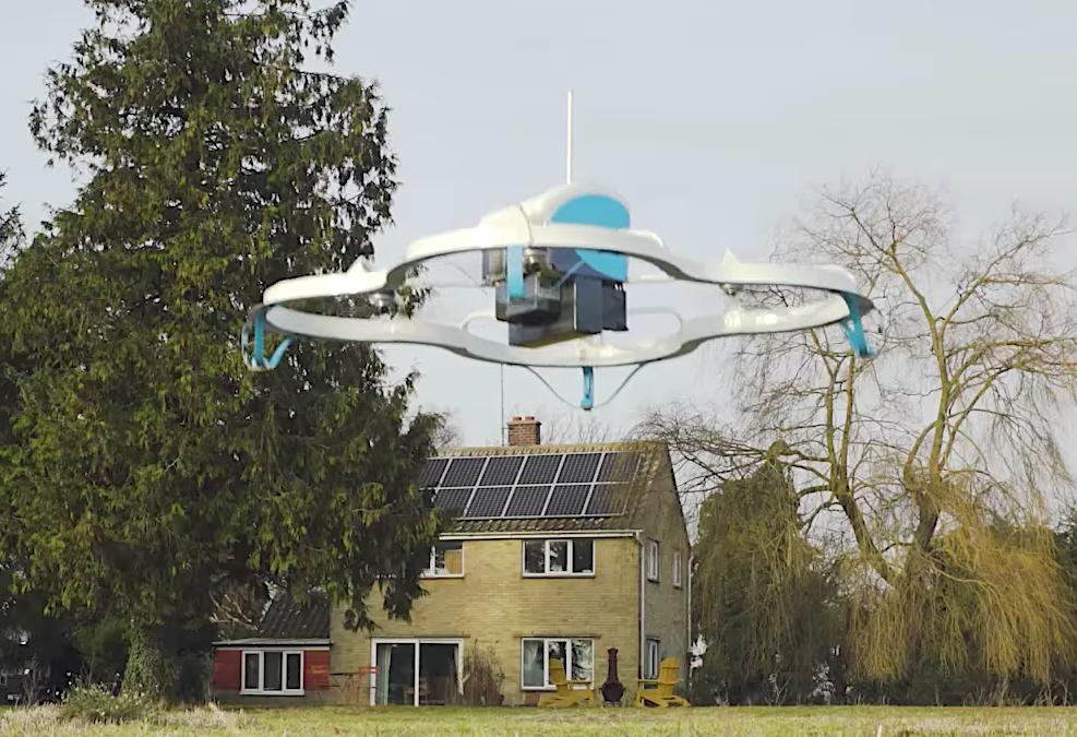 Amazon обмисля да използва дроновете за доставка за сканиране на домовете на потребителите с цел повече продажби