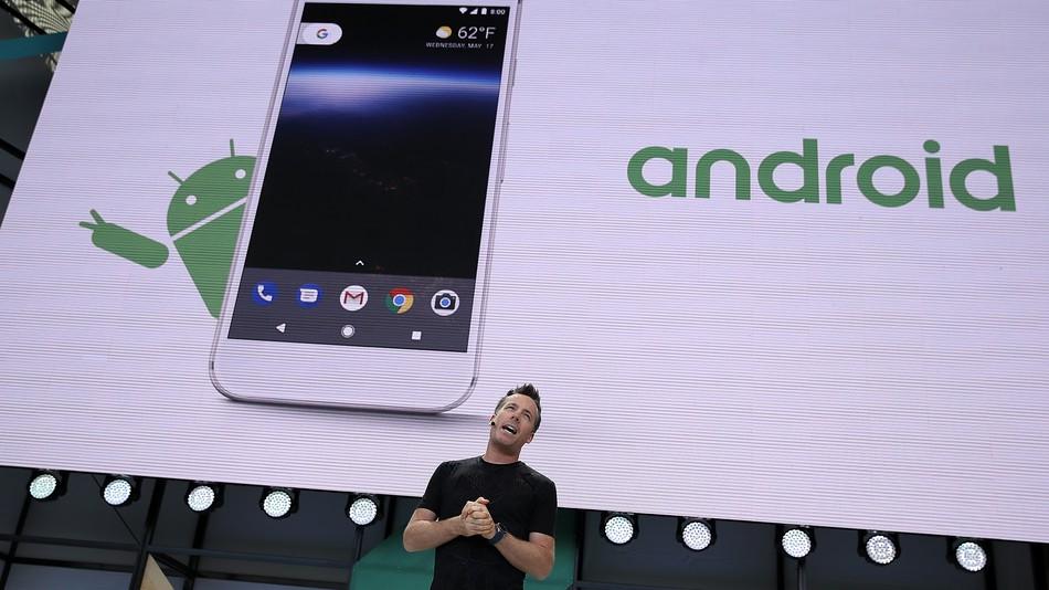 Play Store вече няма да е безплатен за европейските производители на Android устройства