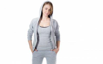 Копират ли ни чужденците в манията да носим анцузи като официални дрехи?