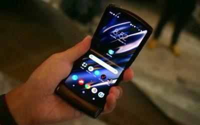 Motorola RAZR ще се забави поради голямото търсене