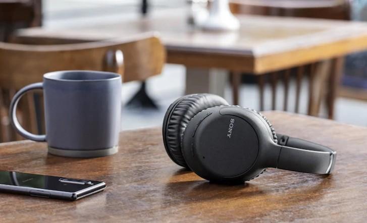 Sony представи два нови модела слушалки