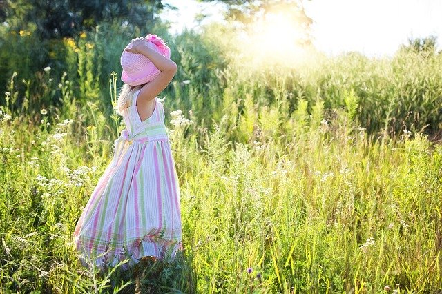 little-girl-2516582_640