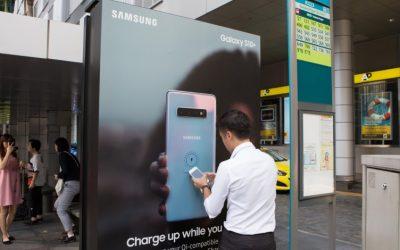 Samsung превърна спирките в Сингапур в безжични станции за зареждане