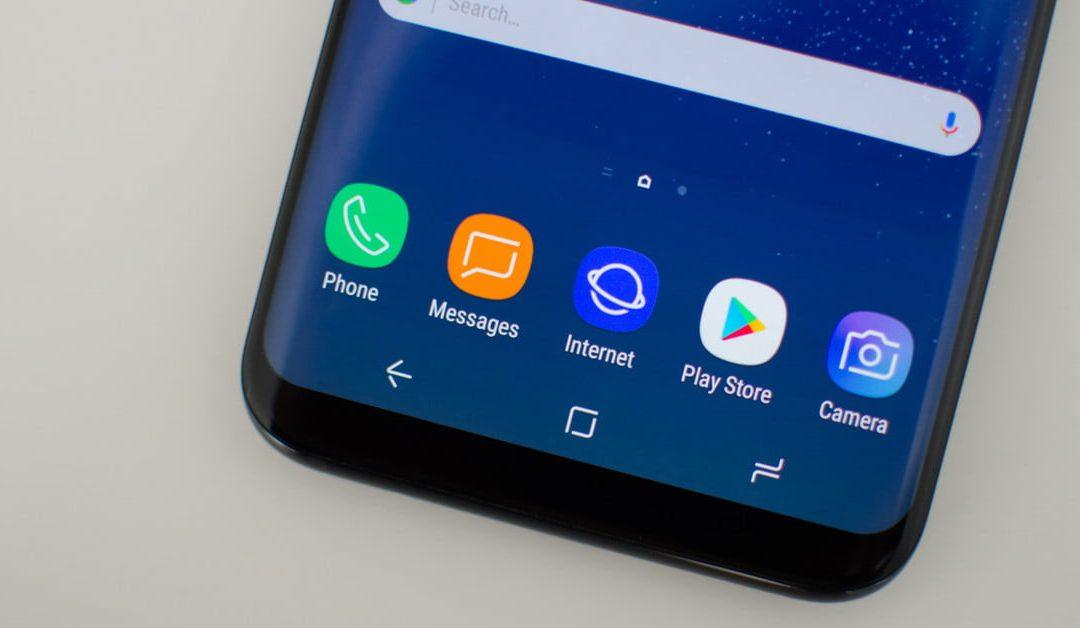 По-евтините модели смартфони на Samsung може би ще получат някои топ функции