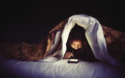 Трябва ли смартфонът да е в спалнята?