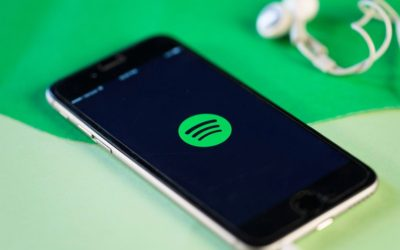 Facebook Messenger вече ще ви предлага песни от Spotify
