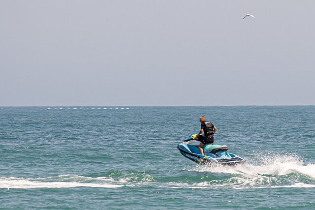 water-sports-5271007_640