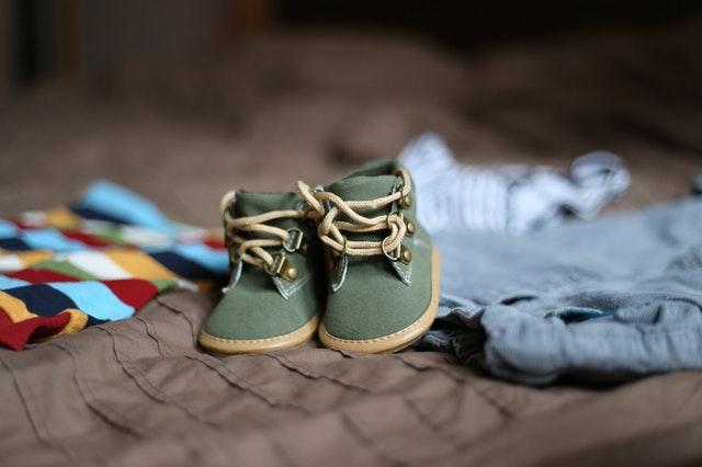 За какво трябва да  внимавате, когато избирате бебешки дрешки?