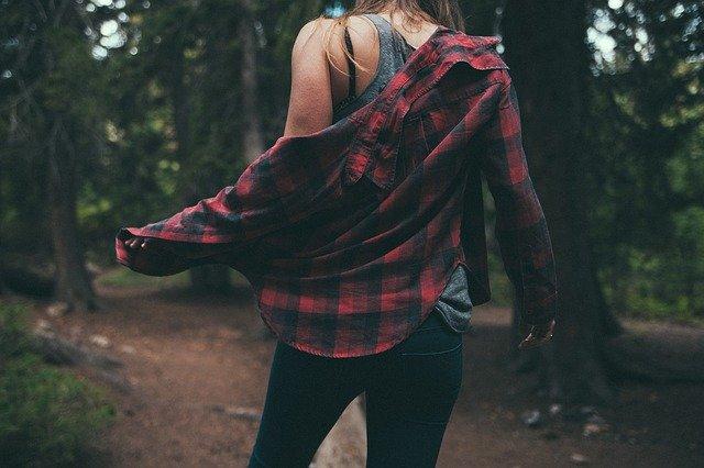 Как да направим старите дрехи модерни