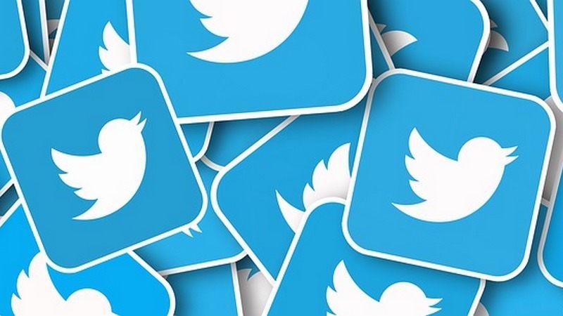 Twitter връща обратната хронологична подредба като опция за потребителите